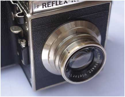 Reflex Korelle B, front panel and lens after restoration